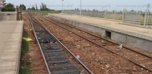 القبض على عاطل أثناء سرقته مهمات سكة حديد الشرقية