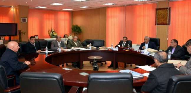محافظ الشرقية يترأس لجنة اختبارات لاختيار الوظائف القيادية للإدارات العامة