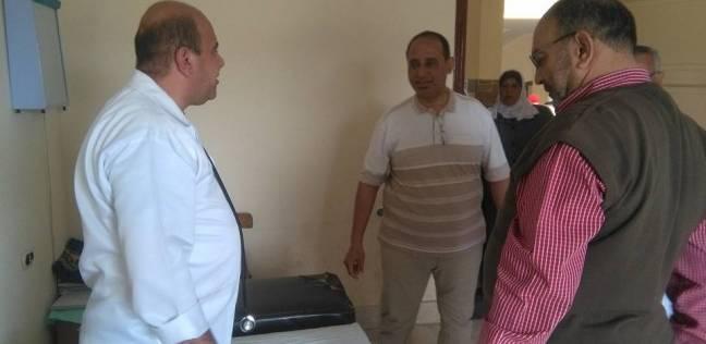 """وكيل """"صحة شمال سيناء"""" يتفقد العيادات الخارجية بمستشفى العريش العام"""