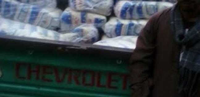 ضبط نصف طن سكر و900 زجاجة زيت قبل بيعها في السوق السوداء بالبحيرة