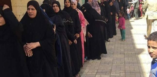 الناخبات يحتشدن بلجان أطفيح للإدلاء بأصواتهن في الانتخابات الرئاسية