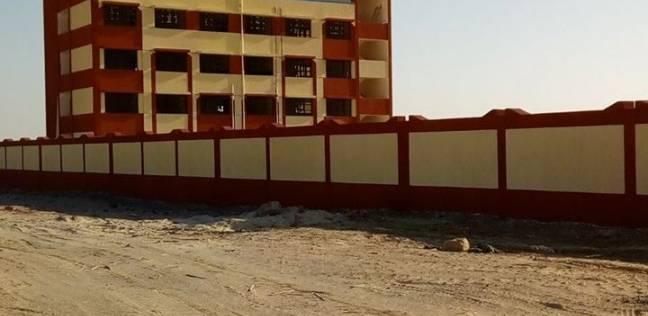 الانتهاء من توصيل الكهرباء لـ3 مدارس جديدة فى الوادي الجديد