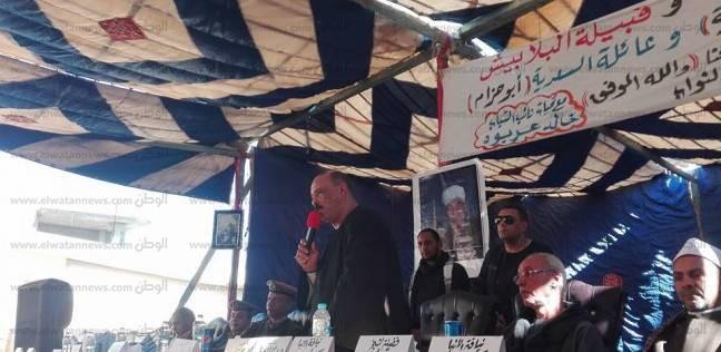 نائب مدير أمن قنا يشهد جلسة صلح بين عائلتين في نجع حمادي