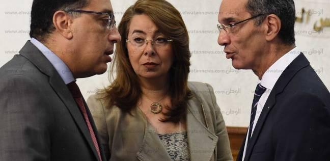 """""""مدبولي"""" يتابع مع وزير الاتصالات خطة """"بناء الإنسان المصري"""""""