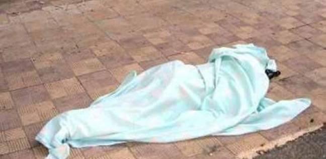 العثور على جثة شخص مجهولة الهوية ملقاة بجوار أكوام القمامة بشوارع المحلة الكبري