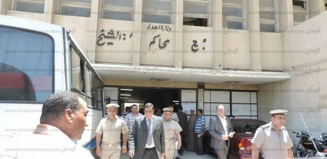 نيابة الإسماعيلية تبدأ التحقيقات مع رئيس مركز القنطرة غرب في تلقي رشوة