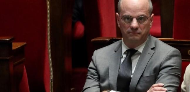 """مَنَع """"الموبايلات"""".. من هو الوزير الذي دعا لتدريس العربية في فرنسا؟"""