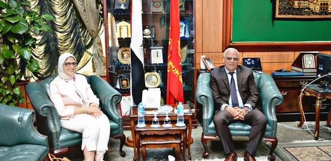 محافظ بورسعيد يستقبل وزيرة الصحة لمتابعة تجهيز منشآت التأمين الصحي