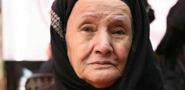 """""""زينب"""" عمرها 84 عاما تحدت مشقة الصيام لتنتخب: """"صوروا صباعي بالفسفور"""""""