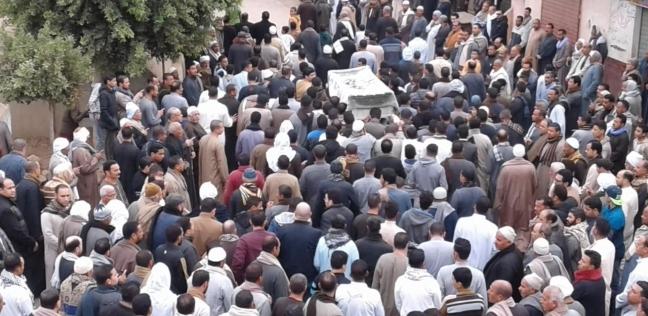 بالصور| محافظ المنوفية يشارك في تشييع جنازة النائب محمود الخشن