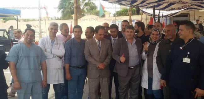 مسيرة للعاملين بالصحة والإسعاف بجنوب سيناء للتصويت في الانتخابات