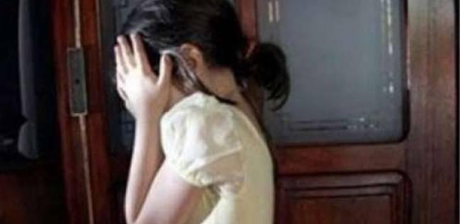 """""""نيابة السويس"""" تحيل طفلة إلى الطب الشرعي بعد اتهام جدها باغتصابها"""