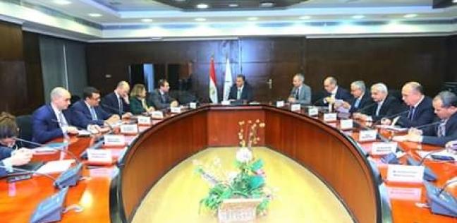 """رئيس """"ميناء دمياط"""" يشارك في اجتماع وزير النقل ووفد """"الأوروبي للتنمية"""""""