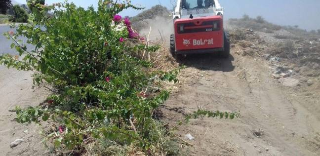 تواصل حملات النظافة بقرية الشغب جنوب الأقصر