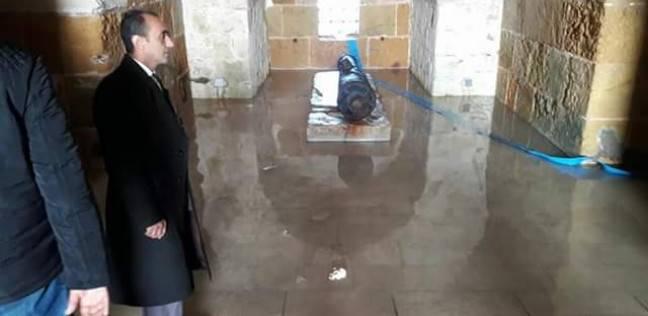 """""""آثار الإسكندرية"""": سحب المياه من سراديب قلعة قايتباي"""