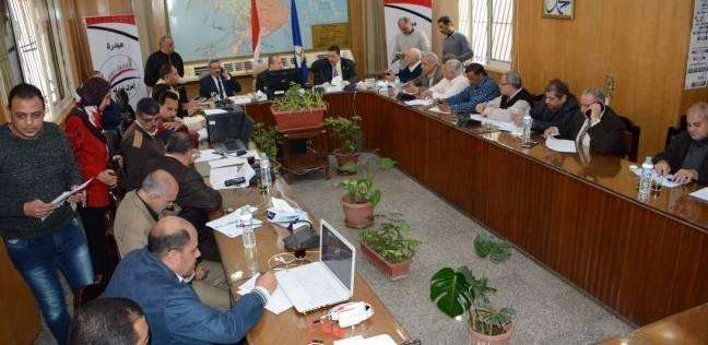 محافظ دمياط يتابع سير العملية الانتخابية بلجان الاقتراع لليوم الثاني