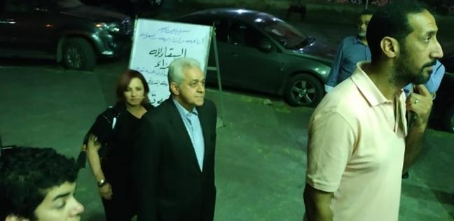 فن وثقافة   بالصور  حمدين صباحي يحضر عزاء الفنانة محسنة توفيق