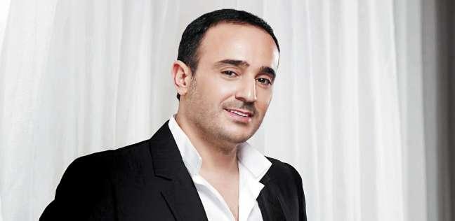 """صابر الرباعي يهدي أغنيته الجديدة """"أنا بحن"""" لروح الفنانة وردة الجزائرية"""