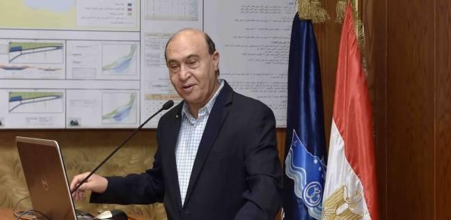 مهاب مميش: مليار طن بضائع عبر قناة السويس العام الماضي