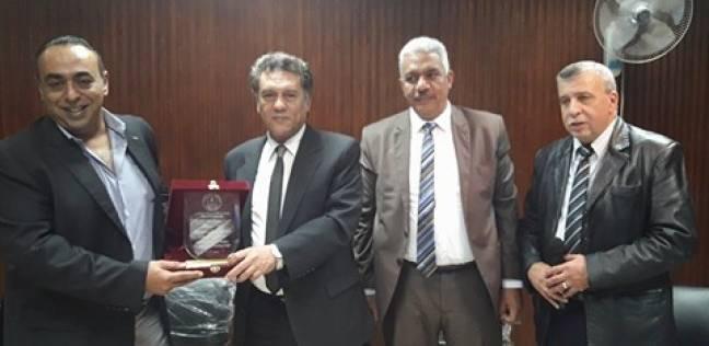جائزة مالية للمتفوقين على روح رائدة طب الأطفال في جامعة الأزهر