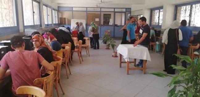 """300 طالب وطالبة يسجلون رغباتهم بمعامل """"حاسبات عين شمس"""""""