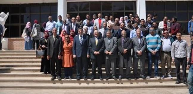 رئيس جامعة المنيا يشيد بقطاع شؤون البيئة في تنمية الموارد الذاتية