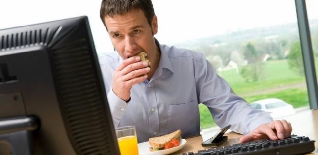 تسبب الإصابة بالسرطان.. 5 عادات خاطئة نفعلها يوميا