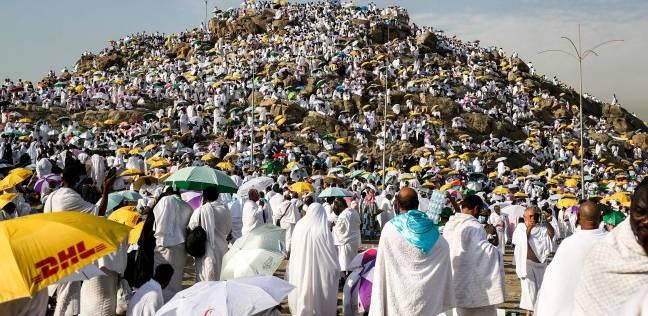ضيوف الرحمن ينفرون من عرفات إلى مزدلفة