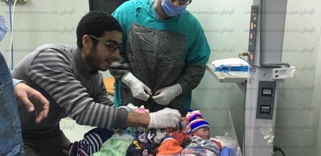 """مدير """"المعبر"""" بقنا عن ولادة 5 أطفال: كل الرعاية الطبية للأم وأبنائها"""