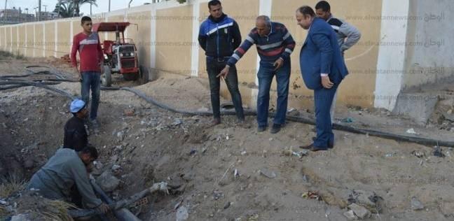 بالصور  رئيس مدينة كفر الشيخ يتابع توصيل الكهرباء لمشروع المياه العكرة