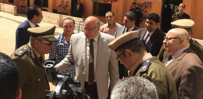 مدير أمن القليوبية يتفقد اللجان بالقرى: الشرطة في خدمة الناخبين