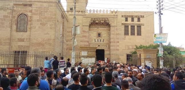 بالصور| أهالي الخانكة يشيعون جنازة عماد الدين صفوت ضحية حريق محطة مصر