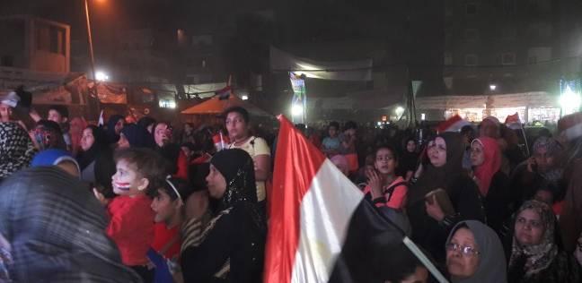 توافد المصريين على مدارس التجمع الخامس رغم سوء الأحوال الجوية