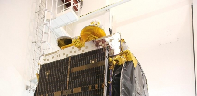 مصر تستعد لإطلاق أول قمر صناعي لأغراض الاتصالات - مصر -