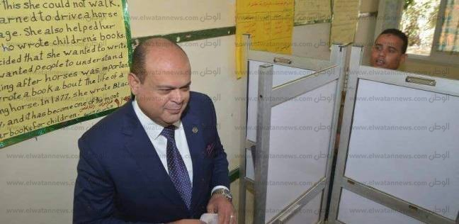 محافظ مطروح: الناخبون حرصوا على النزول للانتخاب حتى تجمعات الصحراء