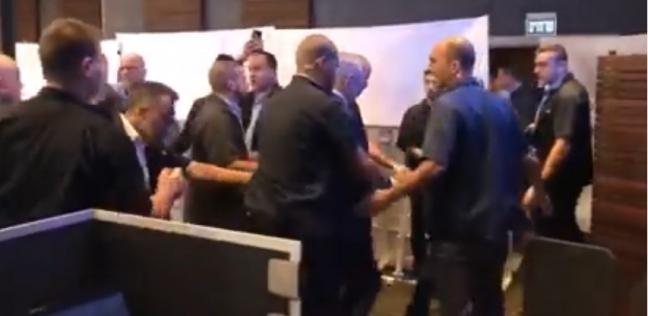 عاجل.. لحظة هروب نتنياهو من حفل لحزب الليكود بعد إطلاق صواريخ من غزة