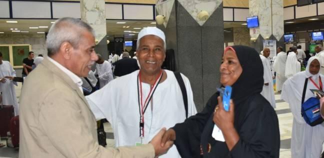بالصور| توديع الرحلة الثانية لحجاج الجمعيات في مطار أسوان