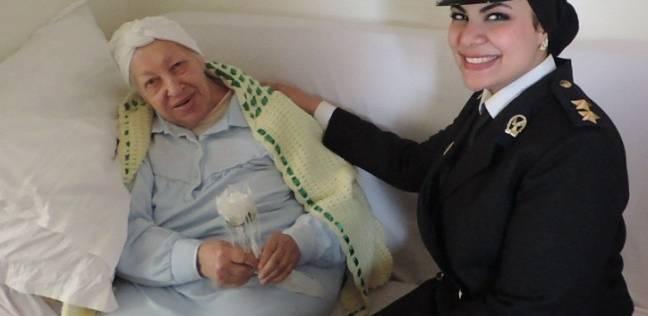 أمن الإسكندرية يحتفل بعيد الأم بزيارة دور المسنات