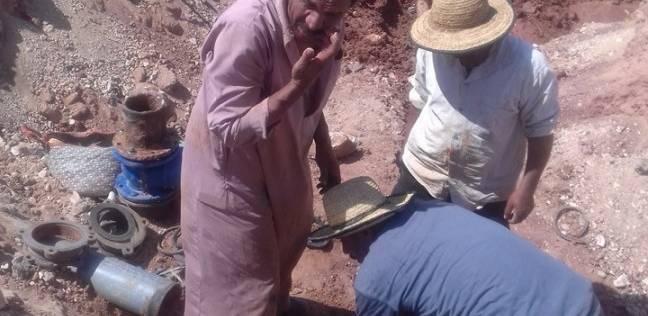 توصيل خط مياه للشرب بطول كيلومترين بقرية تنيدة في الوادي الجديد