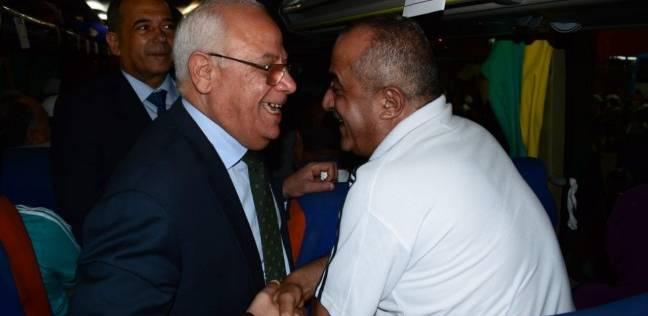 محافظ بورسعيد يودع حجاج بيت الله الحرام قبل سفرهم للسعودية