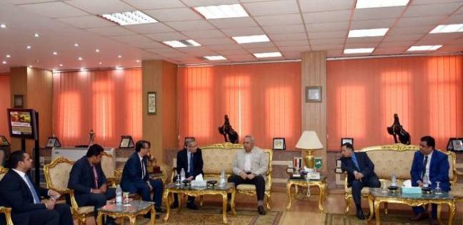 """محافظ الشرقية يبحث مع نائب وزير التعليم تعزيز مهارات طلاب """"الفني"""""""