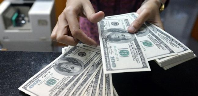 الحكومة ترفع تقديرها لسعر الدولار لـ18 جنيها في موزانة العام الجاري