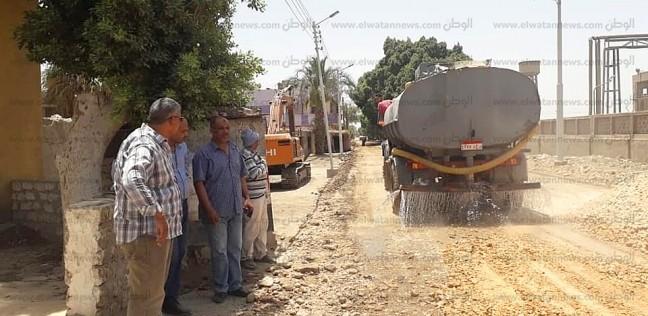 بدء تمهيد طريق قرية المدور في منلفوط