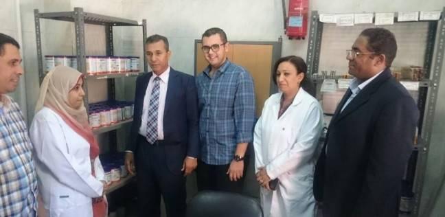 """مدير الإدارة الصحية بـ""""مراغة"""" يتابع عملية صرف ألبان الأطفال بالمدينة"""