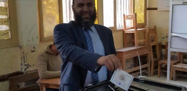 """أمين """"النور"""" بالسويس يدلي بصوته في انتخابات الرئاسة"""