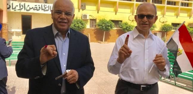 """وزير النقل السابق يدلي بصوته في """"الأورمان"""" بالعجوزة: واجب وطني"""
