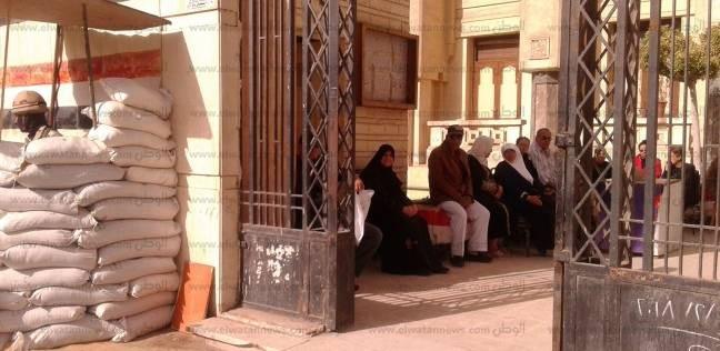 المواطنون يتوافدون على لجان الدقهلية للإدلاء بأصواتهم