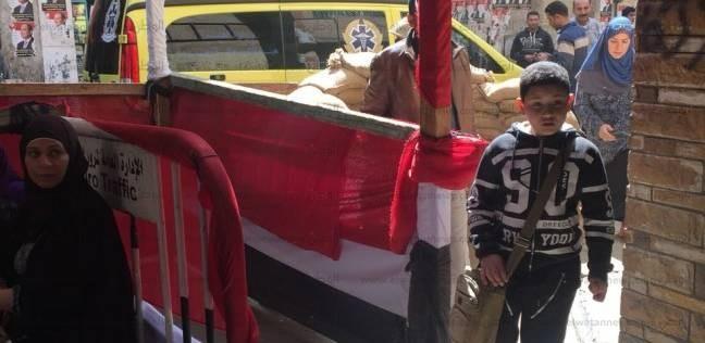 سيارة إسعاف تصل إلى مقر لجنة انتخابية بالقاهرة لوجود حالة طارئة
