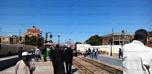 """ضبط عاطل متلبس بسرقة 4 قطع """"فرامل قطارات"""" في محطة الزقازيق"""