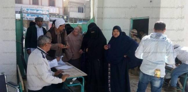 بالصور  سيدات مطروح يحتشدن بلجان الانتخابات الرئاسية